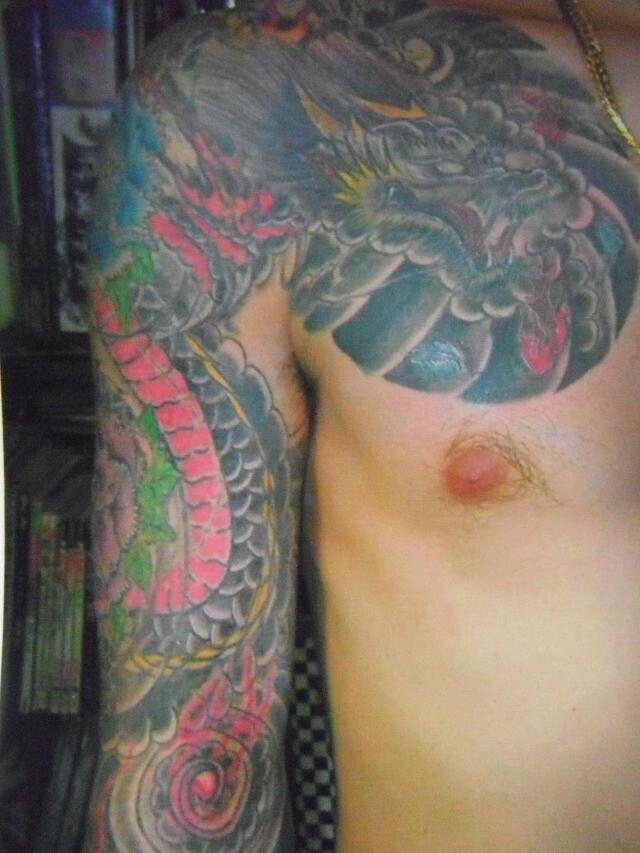 龍 牡丹 刺青